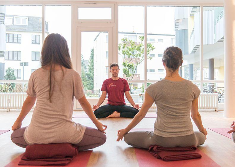 Yoga koeln lindenthal gallerie meditation