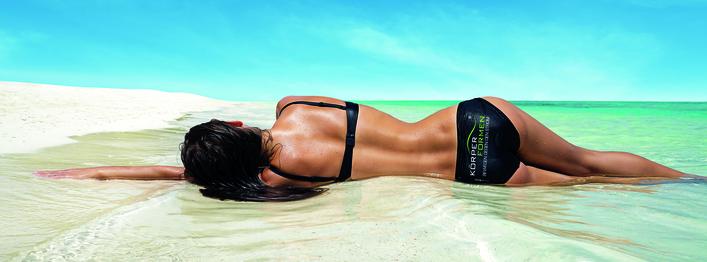 Strand   logo auf dem bikini