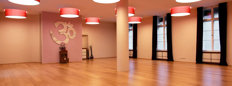 spirit yoga berlin west yogastudio berlin fitogram. Black Bedroom Furniture Sets. Home Design Ideas