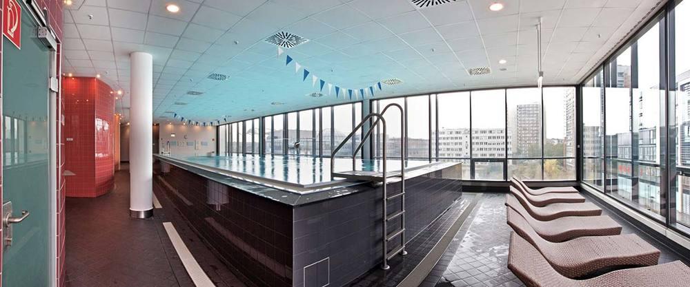 Wellness schwimmen pool becken1