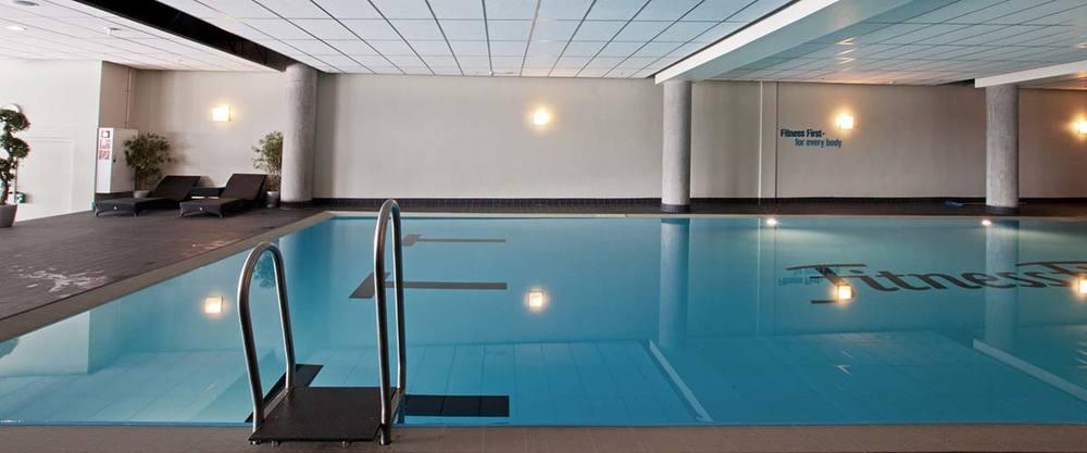 Schwimmen pool becken 10