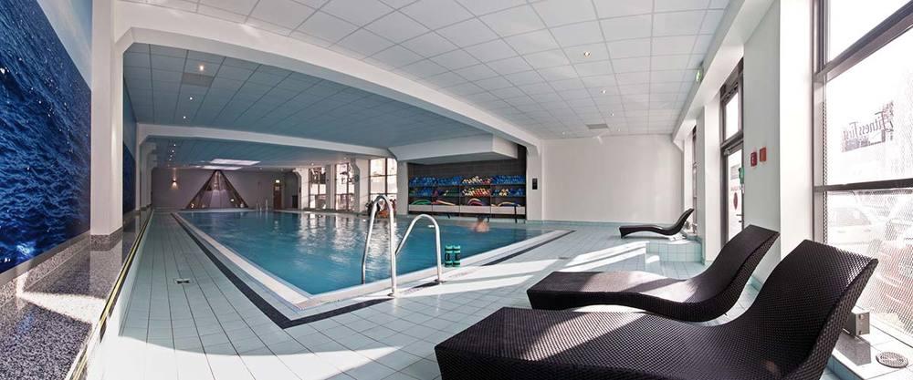 Schwimmen pool becken 0