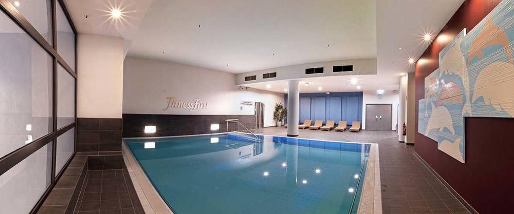 Schwimmen pool becken 5