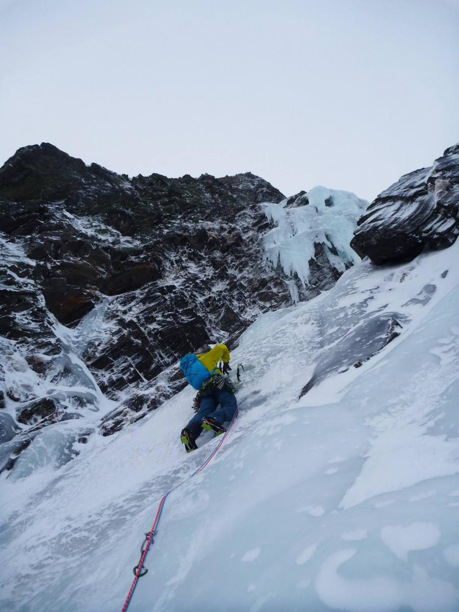 1st Pitch of Tøftfossen WI4, Drivdalen