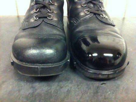 Fremdeles kjenner jeg en liten angst langt inne et sted hvis ikke skoene er  rene og helst blankpusset d1d27fb76e2f3