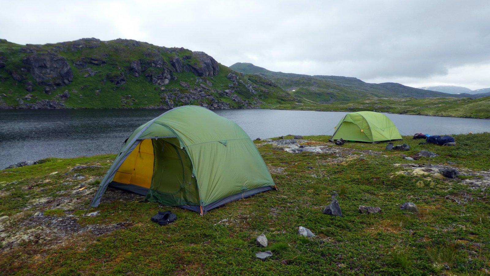 Telting og ørretfiske på Sørøya – den grønne øya i nord