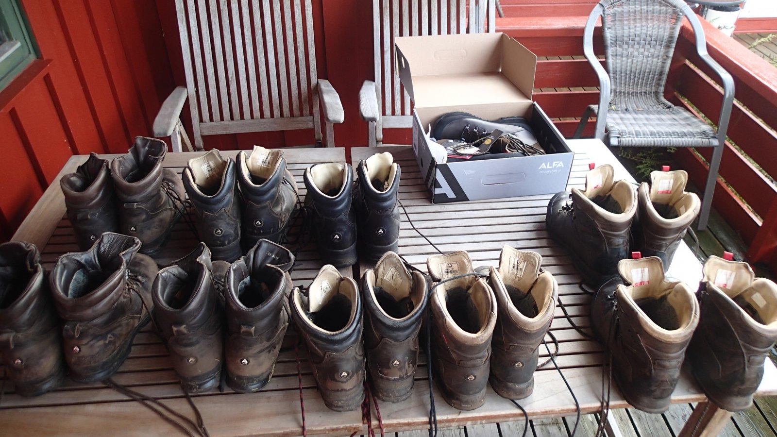 I forbindelse med et spørsmål til ALFA skofabrikk tok jeg bilder av mine  ALFA sko - eldste paret antakelig fra 2008-2009 en gang. c0d2f0459570b