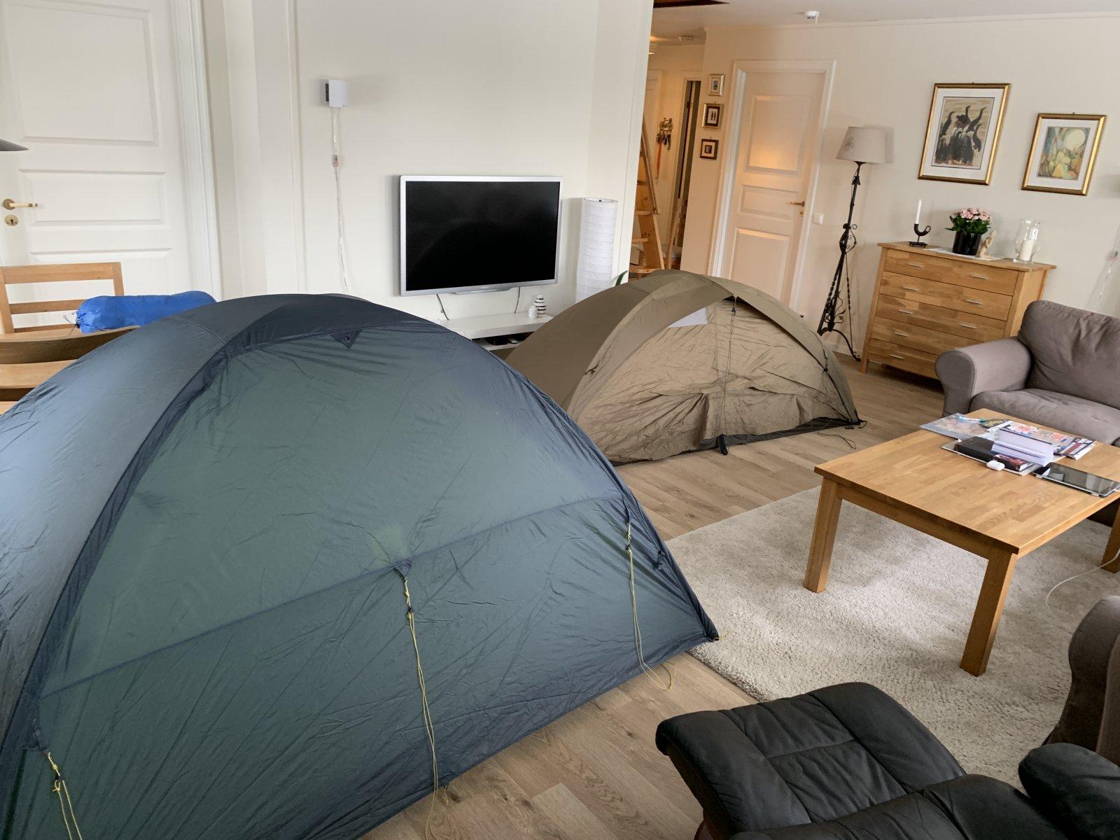 2 telt i stua Trolltind vs Mil 1 LT begge Helsport Telt
