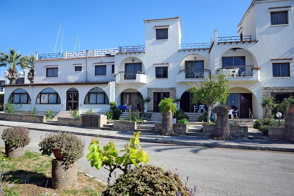 Follow The Sun Hotel Apts