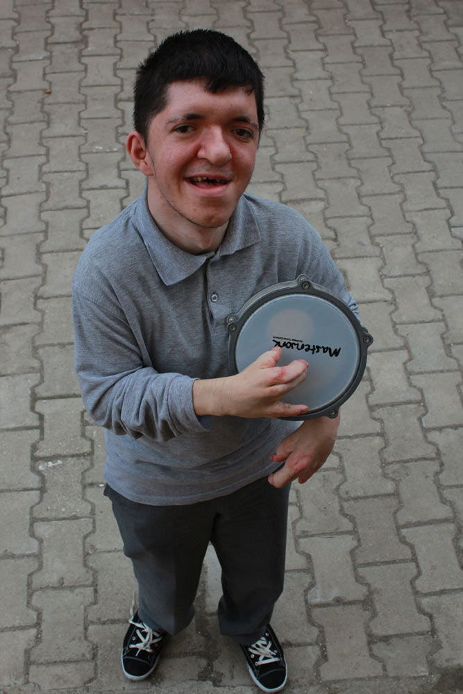 Fatih Kobak, enerjisis ve sempatisiyle dikkat çekiyor!