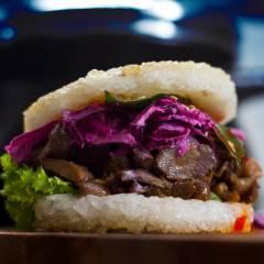 Burger mit Reis-Bun