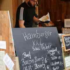 X-Mas Streetfood auf der Seesener Burg Weihnacht - Hamburger1