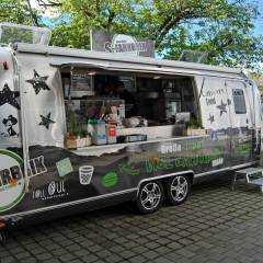 Speisen auf die Hand: Monaco Burger, Bavarian Hot Dog & more