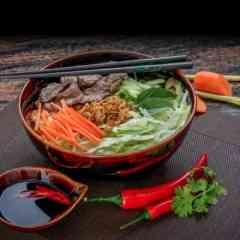 The Banh Mi - Bun Bo (Reisnudelsalat mit Rinderfleisch)