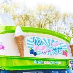Frozen Yogurt & Softice Truck - Front