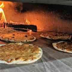 Pizza Wala - Holzsteinofen Pizza