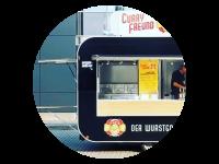 Logo Curryfreund - Feine Currywurst und holländische Pommes