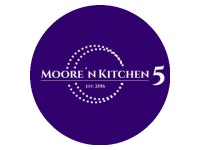 Logo Moore´n Kitchen 5 - Burger-Kreationen & Würstchen-Klassiker