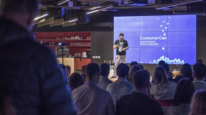 [VIDEA] CustomerCon #2: Spokojení pečovatelé, autenticita a otevřenost