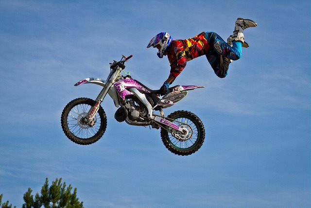 Bike+Jump+Superman+for+Forex+signals+auto+vs+manual.jpg