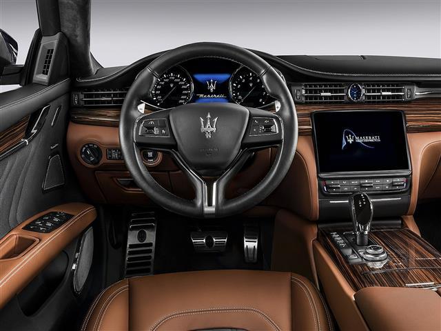 Novo Quattroporte V8 530 GranSport