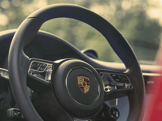 911 (991 Type II) Carrera 4 GTS Coup� PDK
