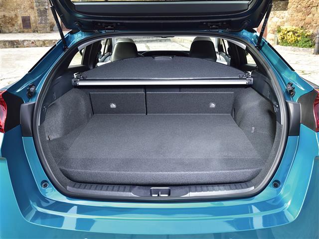 NG Prius Plug-in Hybrid 122 Luxury+Pele