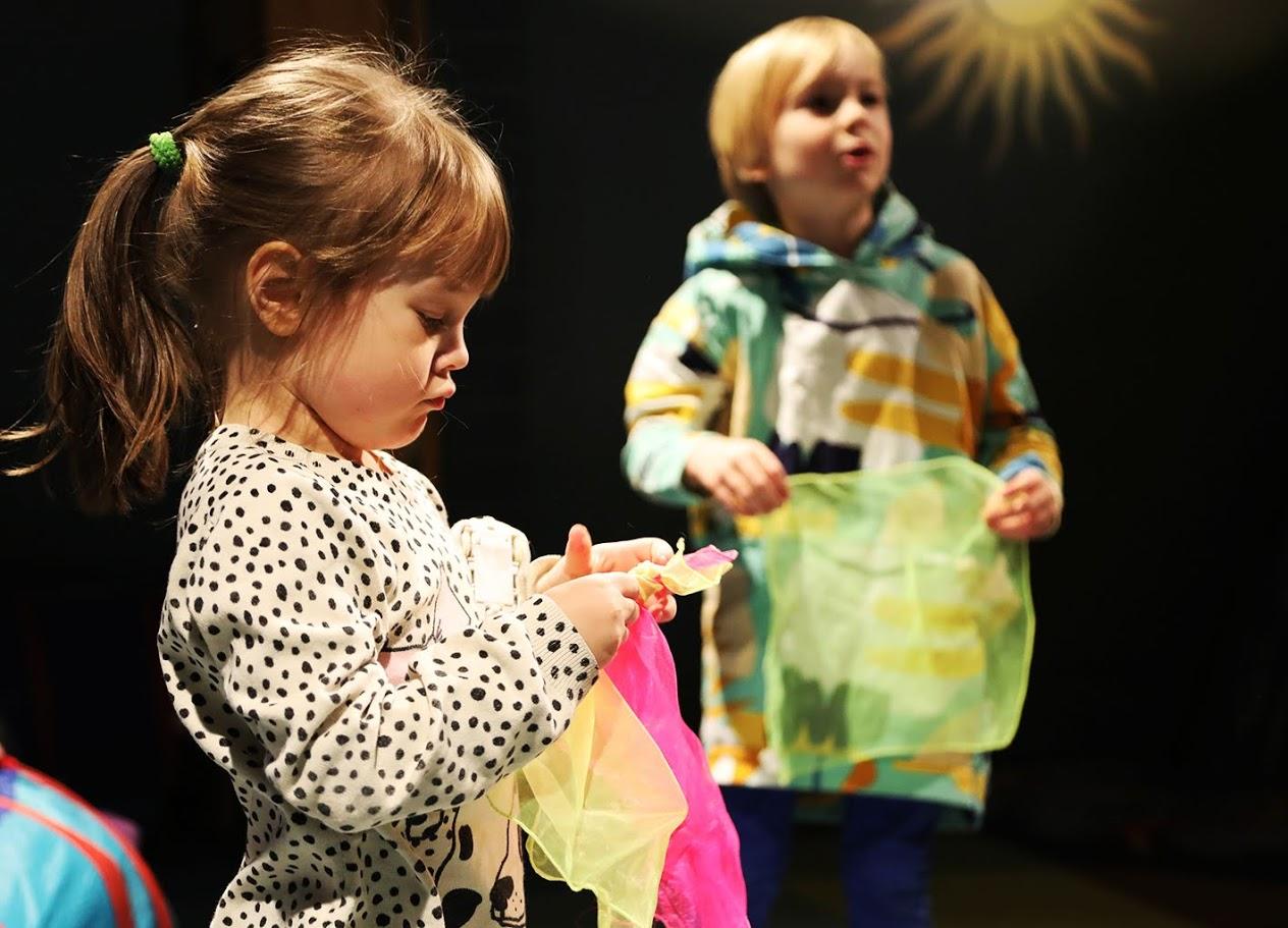 Rullan Perhekerho: Vanhempi-lapsi-jumppa