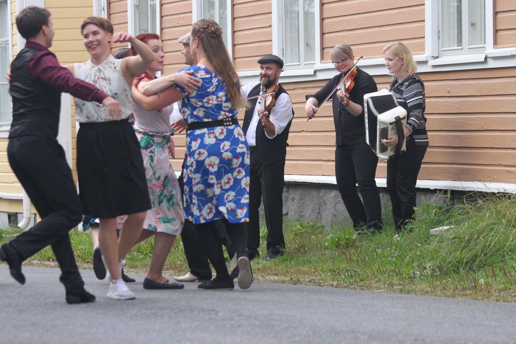 Tanssimania 2019: Elävän perinnön klinikka •  Suomen Nuorisoseurat ry / Pispalan Sottiisi