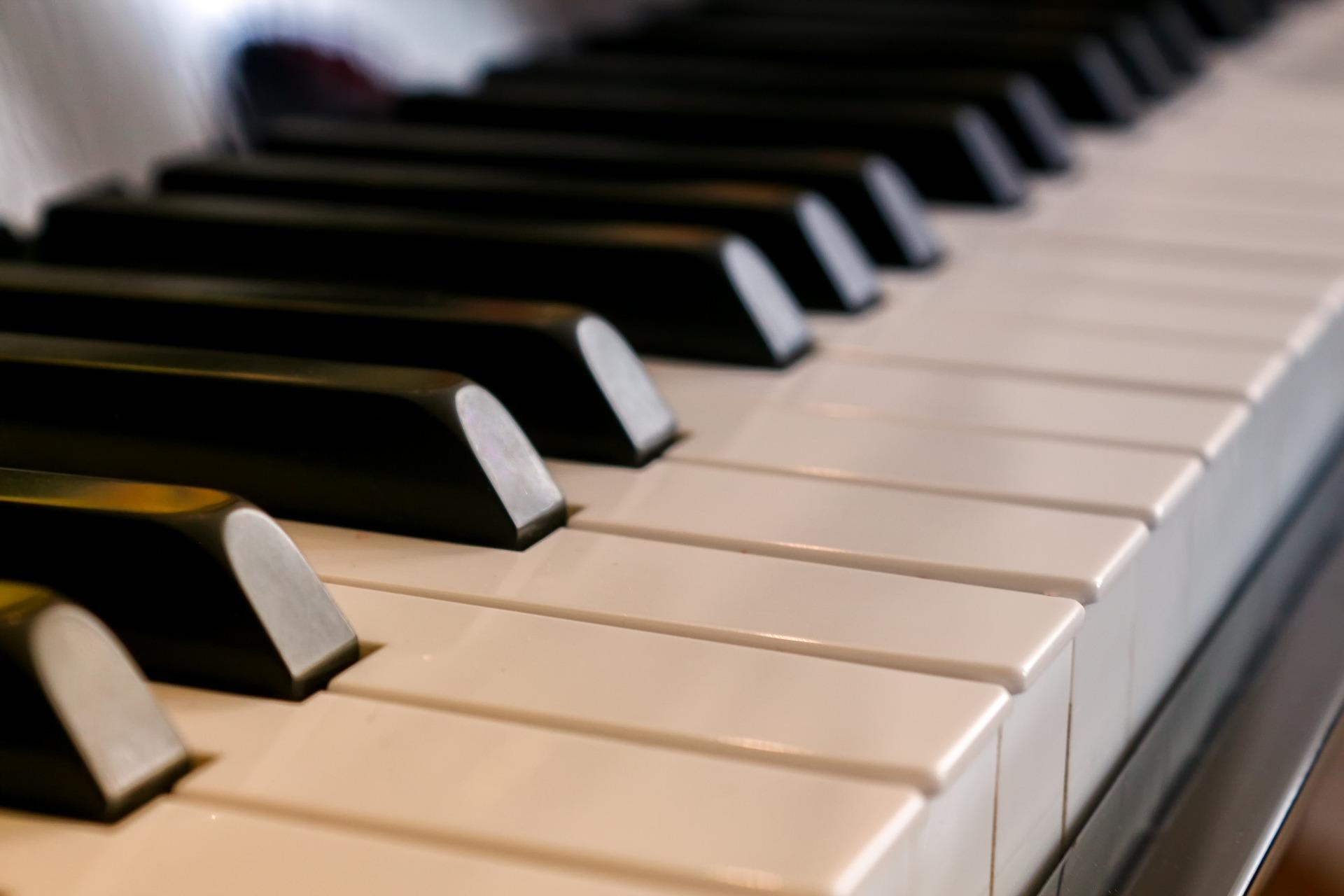 Tampereen konservatorion pianoilta