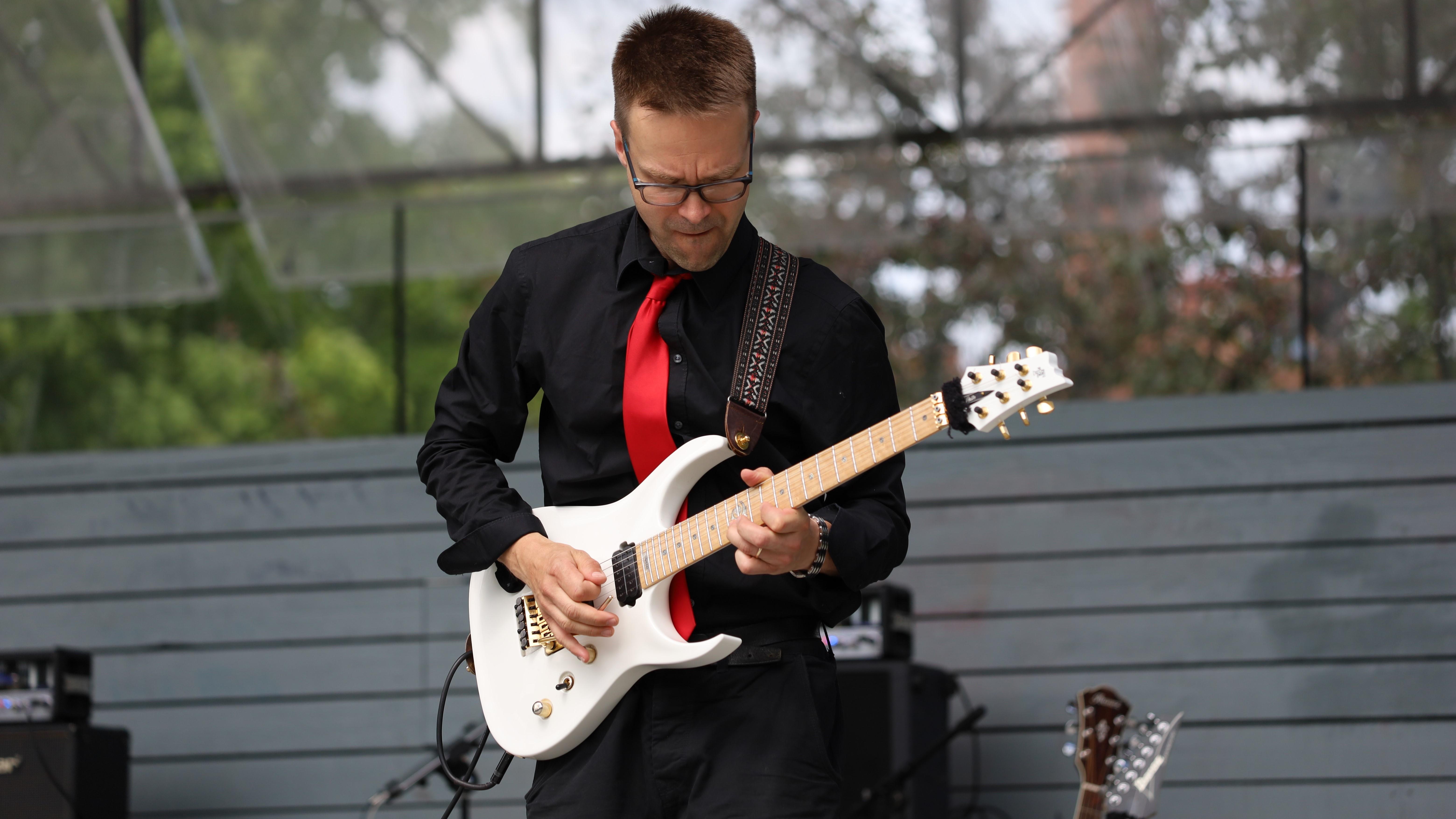 Kitara-artisti Henri Aalto LIVE