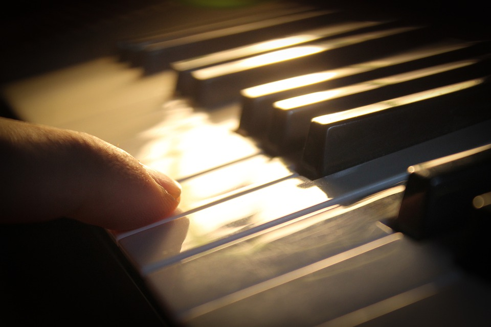Valoa kohti - Pianokvintettokonsertti