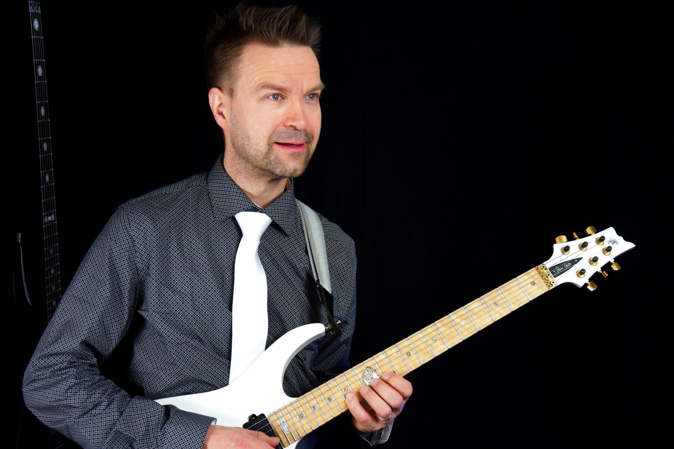 Guitar artist - Henri Aalto LIVE
