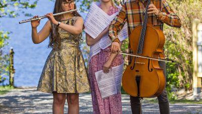 Trio Aava: Hetkessä