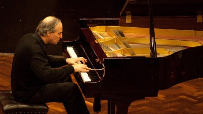 Alexandr Ardakovin (UK) pianokonsertti
