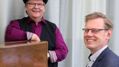 Verkkotapahtuma: #22 Yhteislaulut kotona, laulattajina Martti Kuurila ja Jussi Tamminen