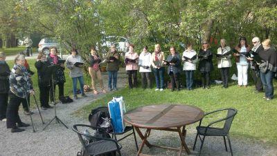 Puistokonsertit: Sampolan Laulajat ja Sulasol-yhteislaulut