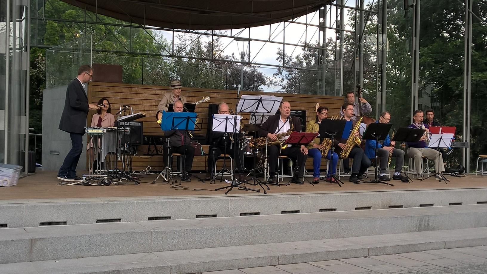 Ahjola Big Band