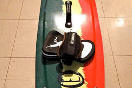 133cm litewave kiteboard with fins, straps and handle