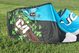 Ozone C4 9m kiteboarding kite with complete with bar and bag Ready to fly Now