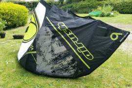 Kitesurfing kite Airush varial x 9m with bar and lines