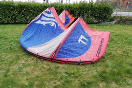 2012 Cabrinha drifter kite 11m with bar.
