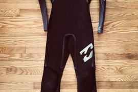 WETSUIT - 5/4/3mm Men's XS Billabong Revolution Chest Zip - Used Once!