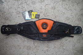 2014 Mystic Code 1 Kitesurfing Harness Waist Orange M 32/34""