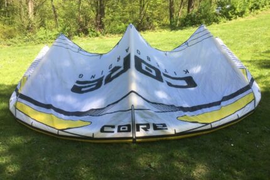 Core XR3 17 LW no Flysurfer F One Cabrinha