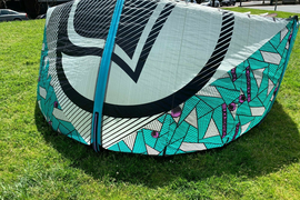 2016 Liquid force WOW 9m Kite, Bar and Lines for Kitesurfing