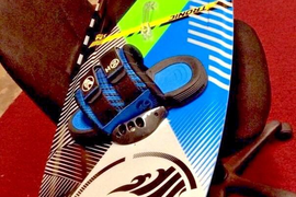 Cabrinha 2014 Tronic Kiteboard 134 X 40cm & H2 Footstraps (S)
