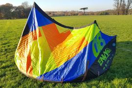 Kitesurfing Kite LIQUID FORCE ENVY 8m with bar, pump and bag.