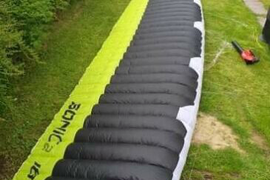 18m Flysurfer Sonic 2 Kitesurfing Kite and Bar - Light Wind