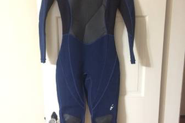 Women's O'Neil wetsuit and boots